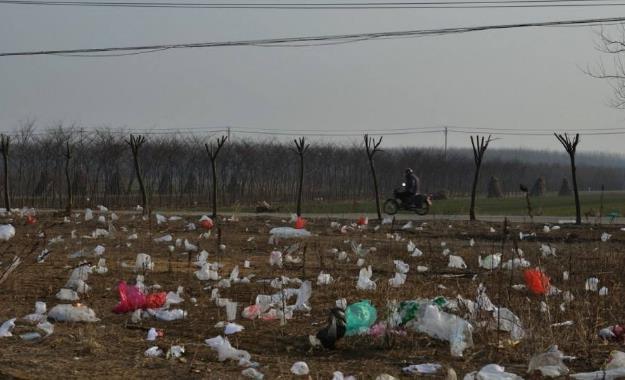 保护环境,从一个塑料袋做起,白色污染触目惊心 森盛隆配图